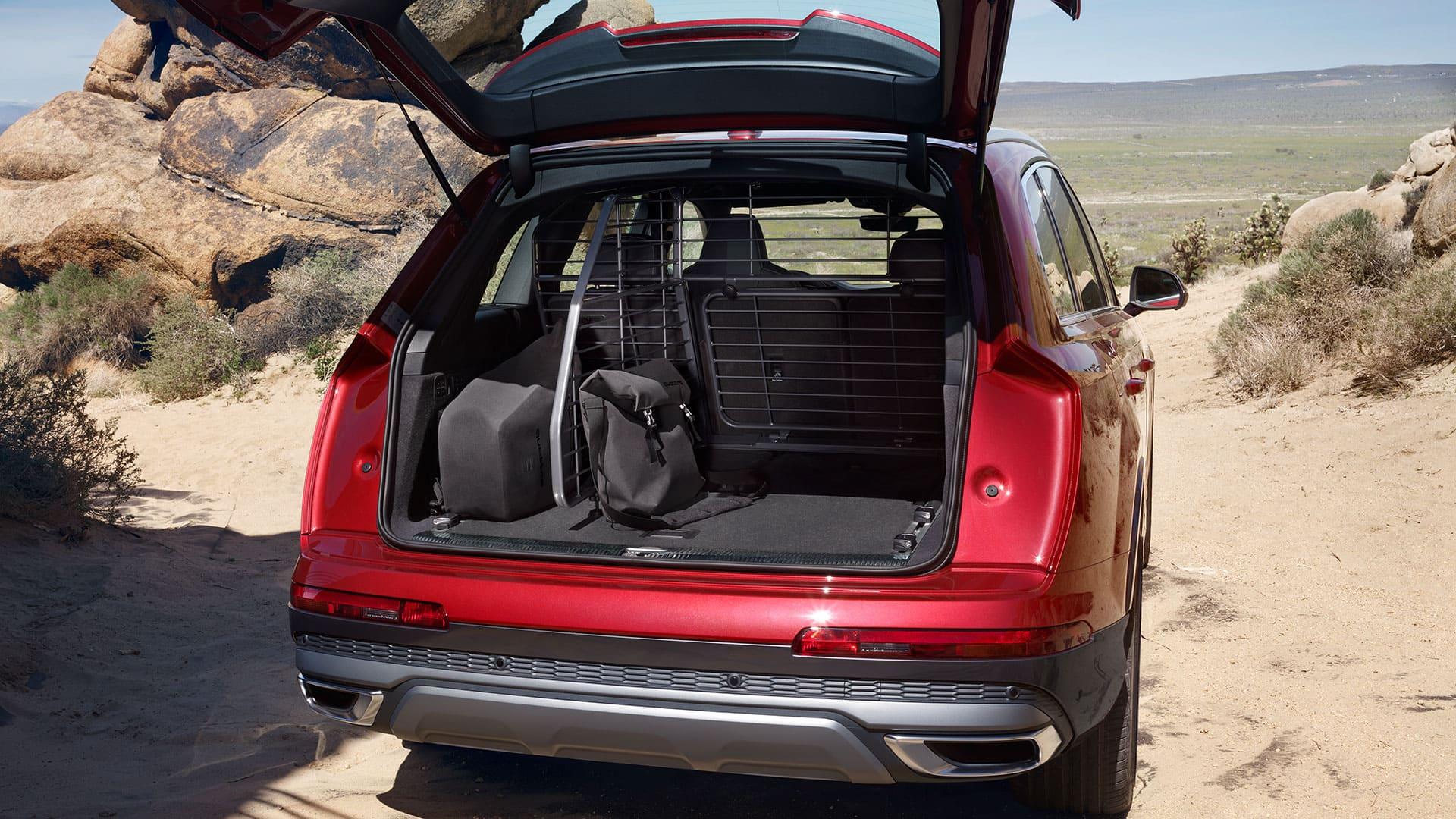 Storage space Audi Q7
