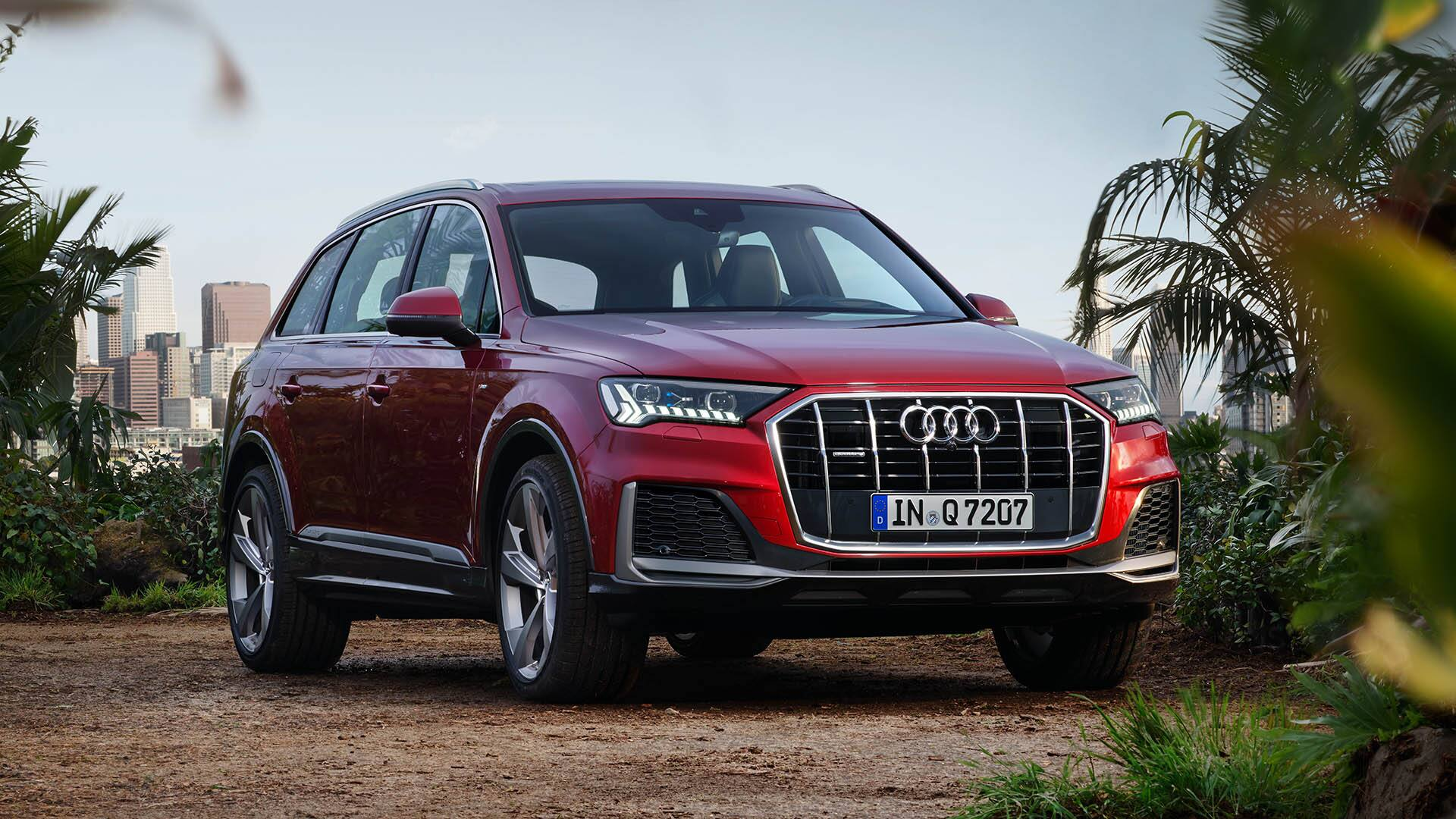 Front view Audi Q7